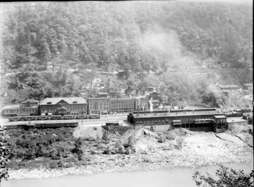 The town of Thurmond during its hay day; taken from across the New River